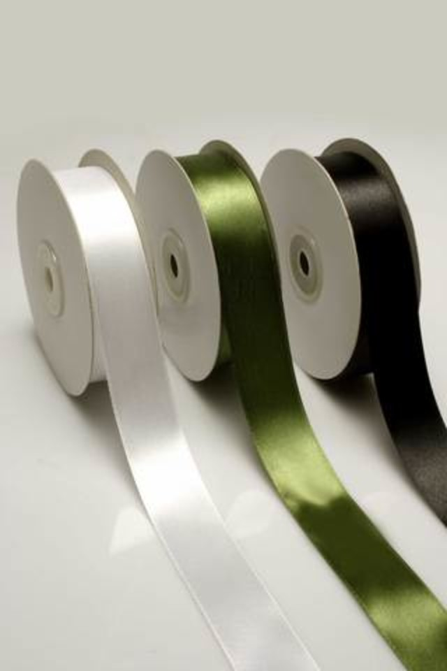 RIBBON RIBBONS SATIN SATINS CUT CUTS EDGE EDGES SINGLE SINGLES DOUBLE DOUBLES FACE FACES FACED FACEDS EDGED EDGEDS WOVEN WOVENS 1F 1FS 25MMX36YD 25MMX36YDS SPECIAL SPECIALS IMPORTED IMPORTEDS